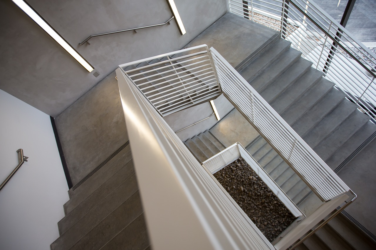 staircase-802032_1280